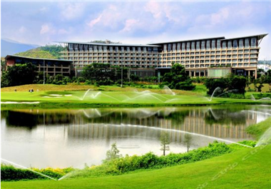 正中高尔夫-隐秀山居酒店再次选择康福特户外家具