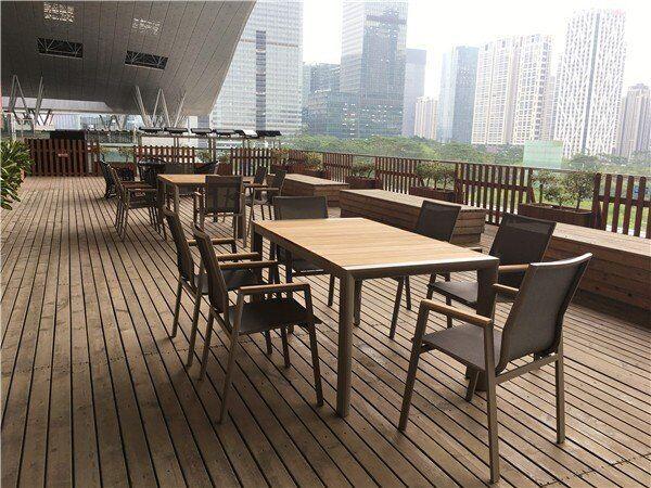 深圳工业展览馆户外桌椅